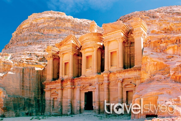 12427465_The monastery in world wonder Petra, Jordan_Regien Paassen (1)