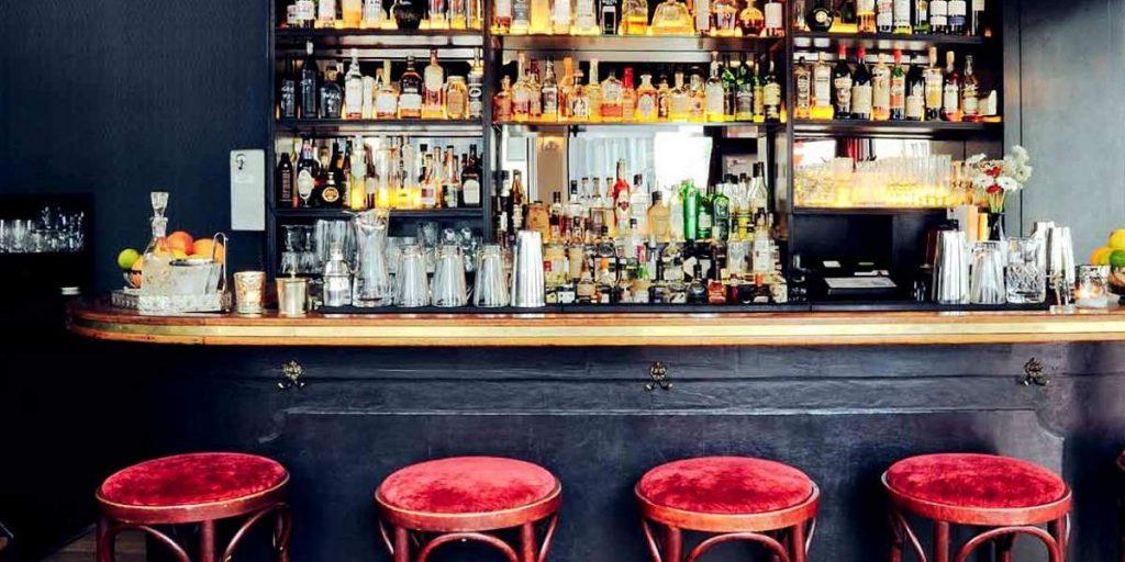 Hiding in Plain Sight, μέρη για ποτό στο Άμστερνταμ