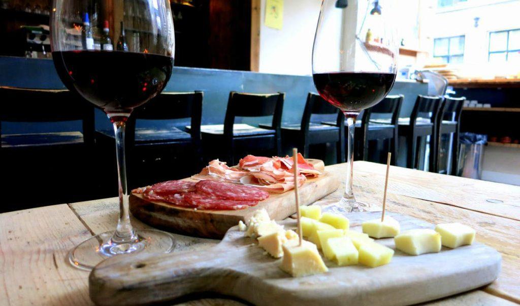 Wijnbar diVino: wine bar για ποτό στο Άμστερνταμ
