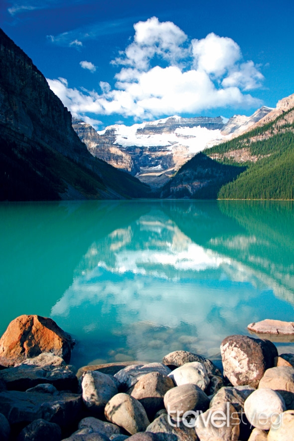shutterstock_8313442-Lake Louise