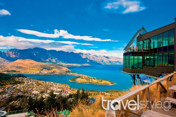 shutterstock_85992103_Cityscape of queenstown with lake Wakatipu from top, new zealand, south island
