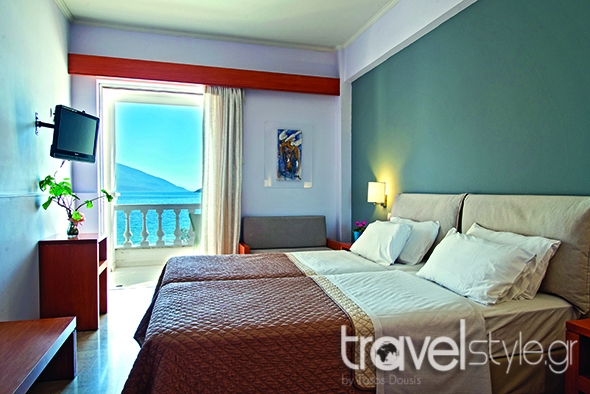 Antikyra Βeach Hotel