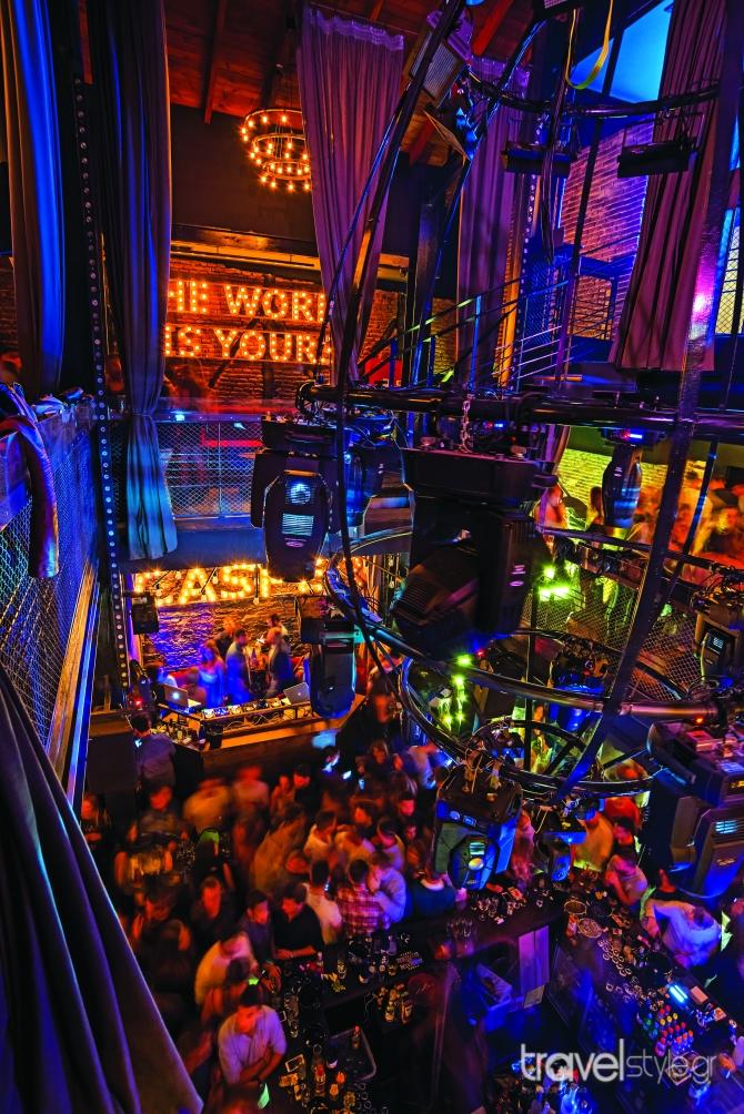 Τα hot spots για τρελό nightlife γιατί η Θεσσαλονίκη ξέρει από διασκέδαση!