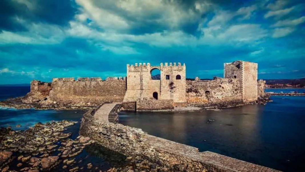 πολυφωτογραφημλένες και επιβλητικές καστροπολιτείες Ελλάδα Μεθώνη