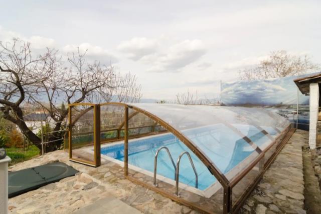 Αγρόκτημα με θερμαινόμενη πισίνα στον Λιθότοπο