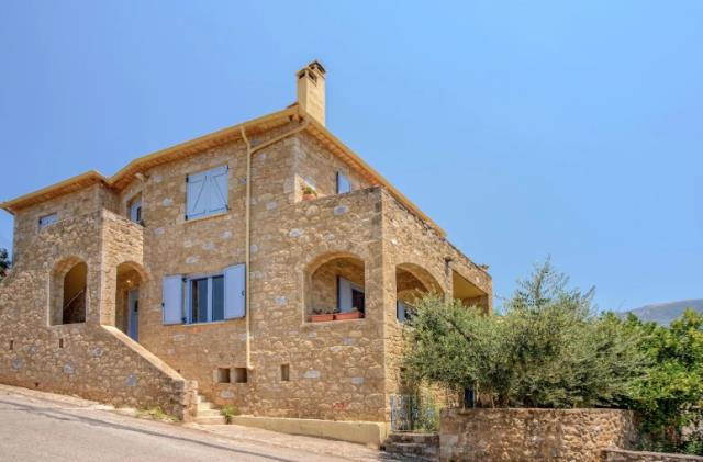 Πέτρινο σπίτι στη Μεσσηνία