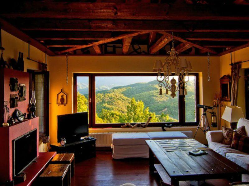 "Airbnb: Mοναδικές ""χουχουλιάρικες"" προτάσεις διαμονής για ένα αξέχαστο φθινόπωρο!"