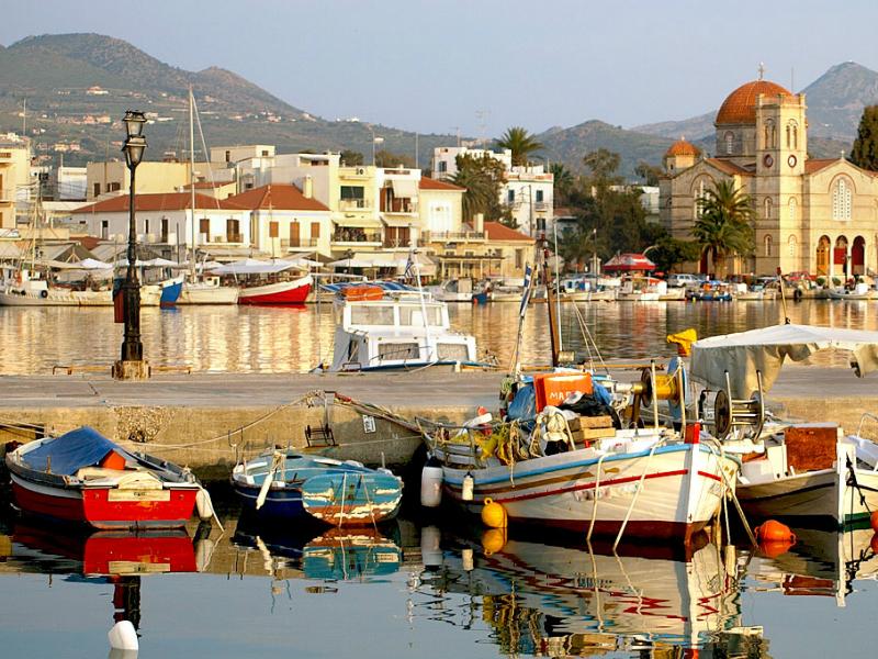 Πρωτομαγιά στην Αίγινα, μια ανάσα από την Αθήνα!
