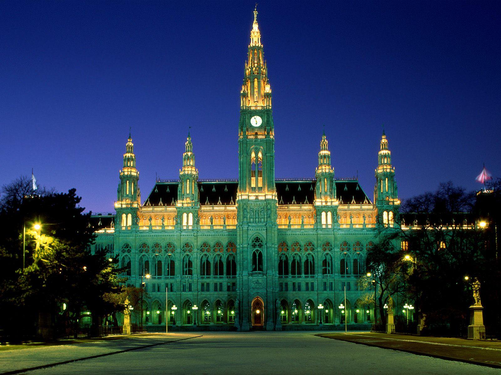 city-hall-vienna-austria-2-1600x1200