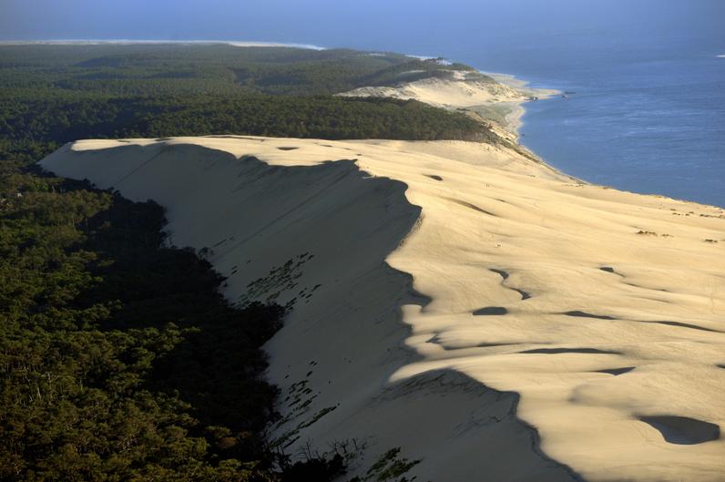 France, Aquitaine, Gironde, Bassin d'Arcachon, Dune de Pilat, aerial view