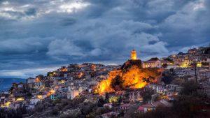 Οι 10 top χειμερινοί προορισμοί στην Ελλάδα – Γραφικά χωριά, χιόνια & θαλπωρή στο τζάκι! (βίντεο)