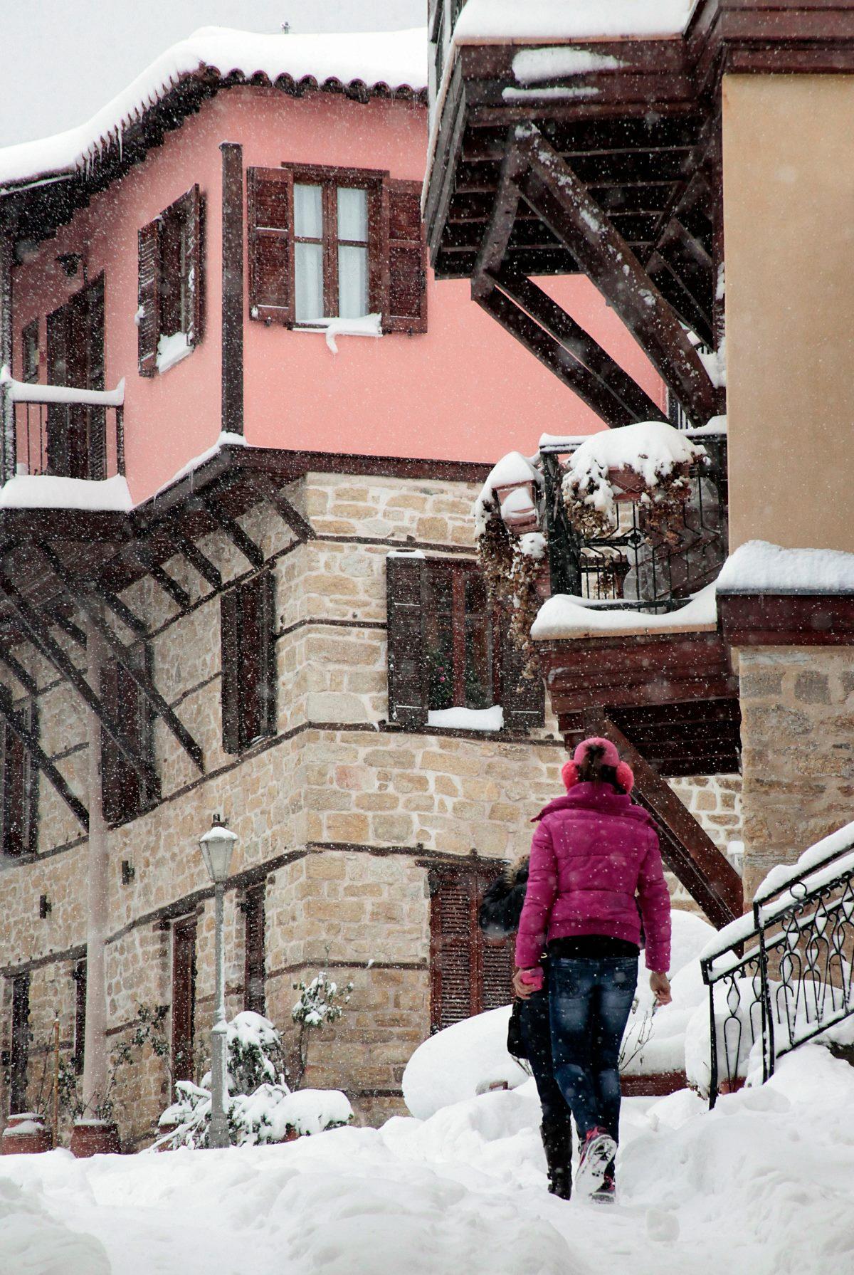 Αρναία, το χωριό χιονισμένο