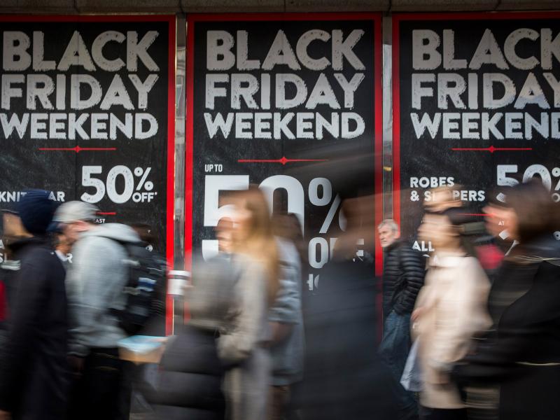 50077b541c5 Σπάει ταμεία: Ποια αλυσίδα καταστημάτων παρατείνει την Black Friday και για  το Σαββατοκύριακο!