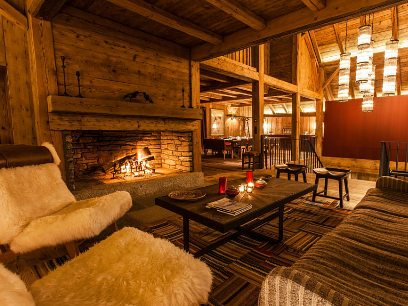 travel airbnb spas hotels