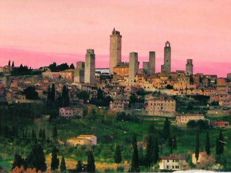 Σαν Τζιμινιάνο: H πόλη της Ιταλίας με τους μεσαιωνικούς πύργους και την αρχοντική ομορφιά! (photos)