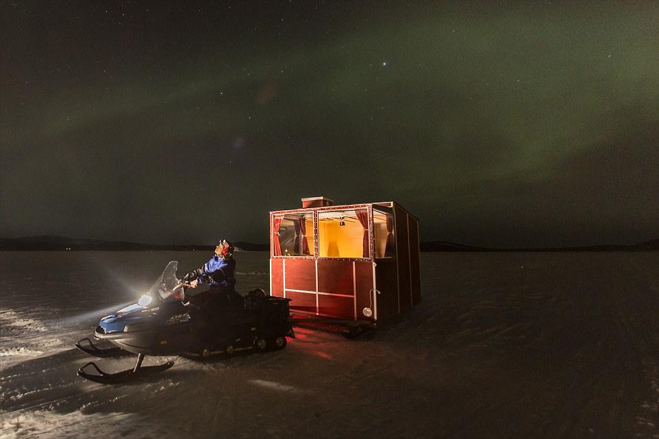 λίμνη Inari στα χιόνια