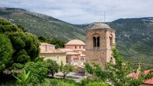 """Η """"Αγιά Σοφιά"""" της Ελλάδας κλείνει 1.000 χρόνια ζωής! Μνημείο της UNESCO στη Βοιωτία…"""