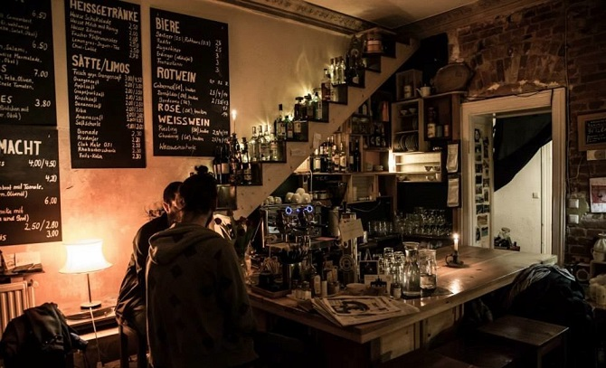 Το ελληνικό στέκι στο Βερολίνο, που θα σου θυμίσει το σπίτι της γιαγιάς σου! (photos)