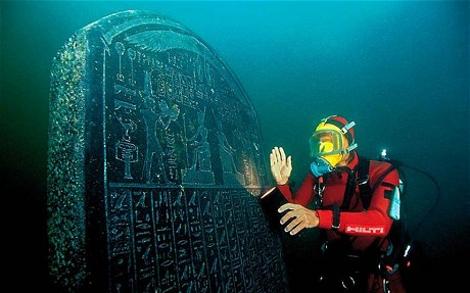 Ανακαλύφθηκε βυθισμένη πόλη που ένωνε την αρχαία Ελλάδα με την Αίγυπτο!!