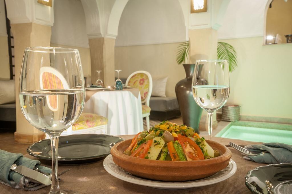Βρήκαμε εκπληκτική προσφορά στο Μαρακές! Ριάντ στο καλύτερο σημείο της πόλης & με βαθμολογία 9,2... μόλις με €36 το άτομο! Μόνο στο travelstyle.gr!