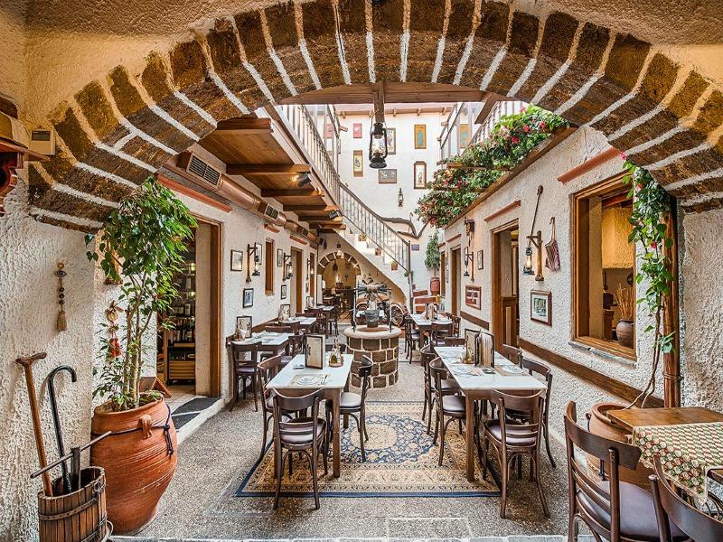 Αυτά είναι τα καλύτερα μαγαζιά για να φας στη Ρόδο (Photos)