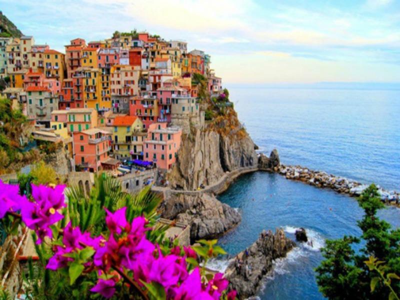 πολύχρωμα χωριά της Ιταλίας