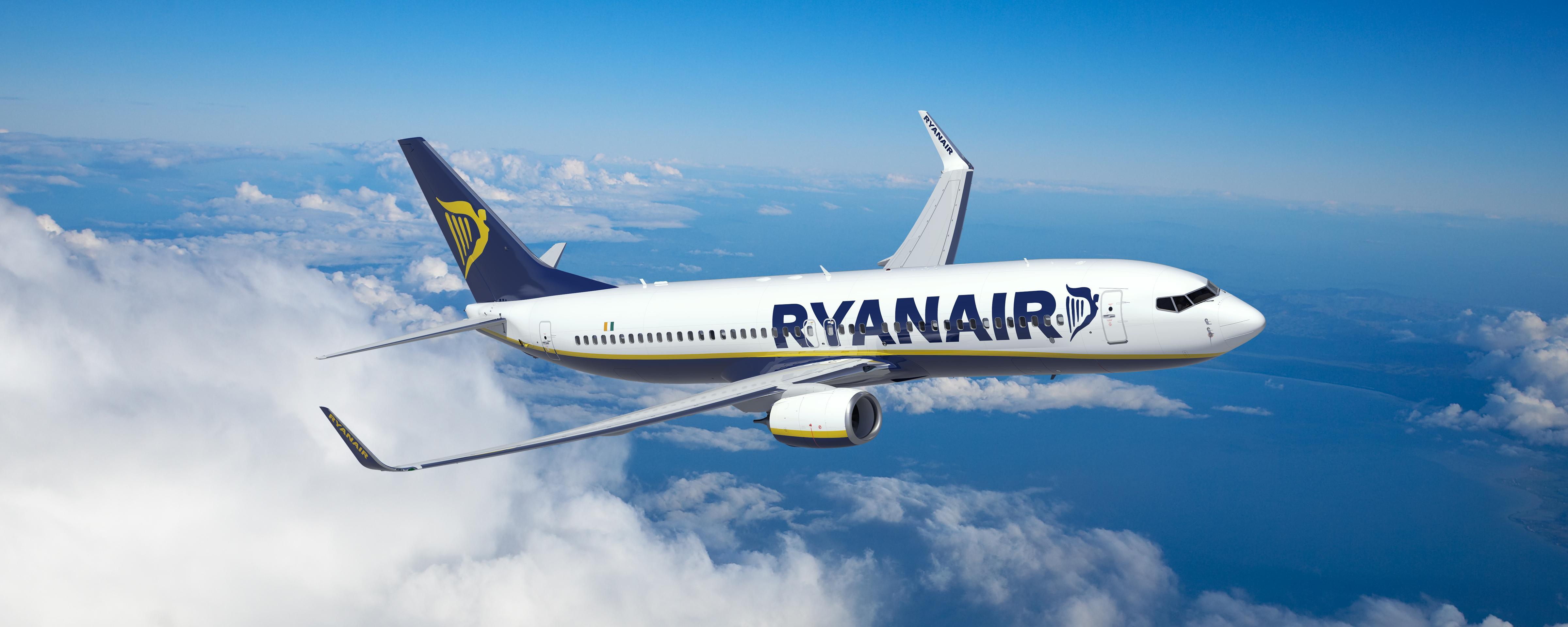 Ο Τάσος Δούσης συμβουλεύει: Τι να προσέχεις όταν κλείνεις εισιτήρια με Ryanair. Δώσε βάση για να μην την πατήσεις!