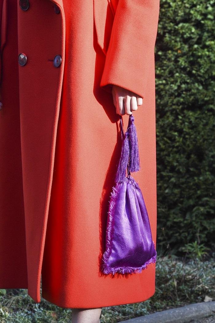 Δεν υπάρχει: Δείτε τι τσάντες κρατάνε στα χέρια τους οι αθεόφοβες οι Παριζιάνες (Photos)