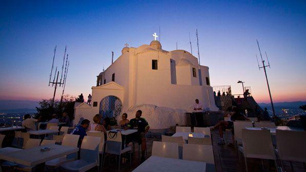 Οι 10 ομορφότερες αθηναϊκές εκκλησίες για την πιο κατανυκτική Μεγάλη Εβδομάδα (Photos)