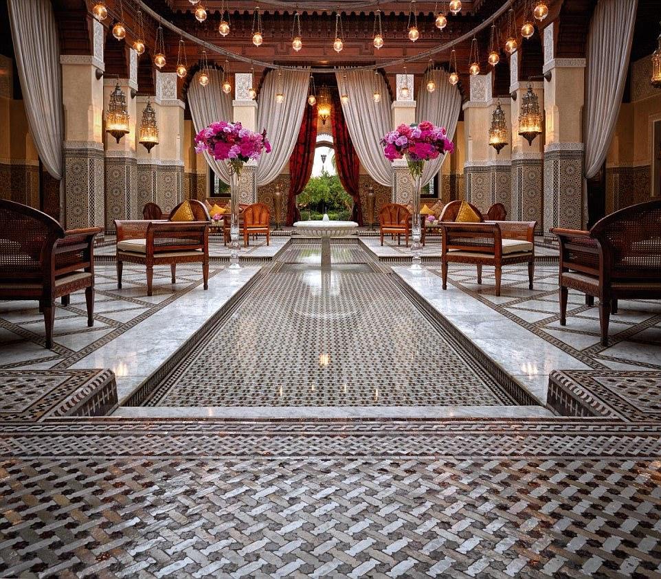 Αυτό είναι το πιο... διακριτικό ξενοδοχείο του κόσμου! Το προσωπικό κινείται σε υπόγεια τούνελ για να μην ενοχλεί τους επισκέπτες! Δείτε το μόνο στο travelstyle.gr!