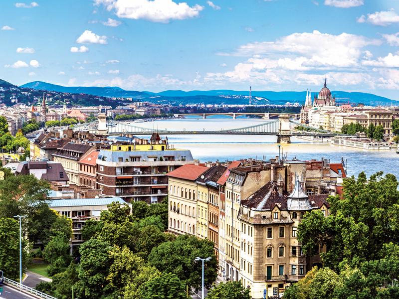 Proorismoi gia na taksidepsis ton Maio : Budapest