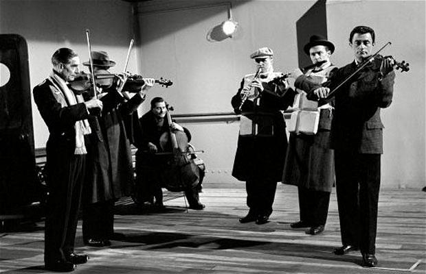Η ορχήστρα δεν έπαιζε ως το τέλος! Τα 5 ψέματα που γιγάντωσαν τον μύθο του Τιτανικού!