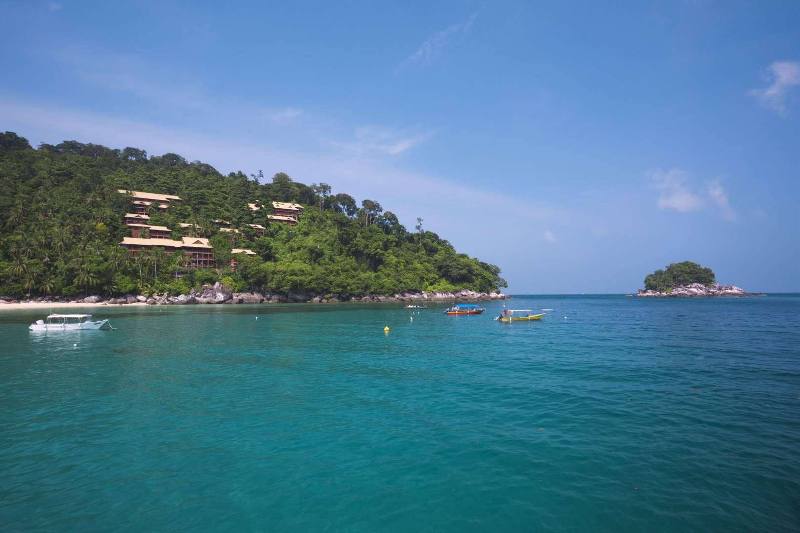 Βουτιά στο... όνειρο! Δύο ελληνικά στα 29 καλύτερα μέρη στον κόσμο για να κολυμπήσεις