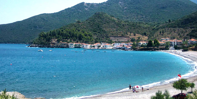 Παραλία Κυπαρίσσι στη Λακωνία