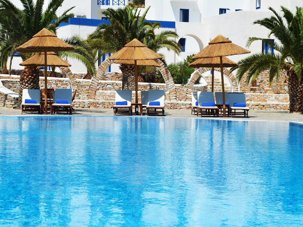 Πανικός! Πάσχα στη Σύρο για δύο διανυκτερεύσεις σε εξαιρετικό τετράστερο ξενοδοχείο, από 33€, αποκλειστικά στο travelstyle.gr