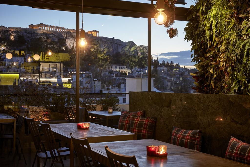 Αθήνα: 4 οικονομικά cafe-restros ξενοδοχείων για να απολαύσεις την μαγευτική θέα της Ακρόπολης!