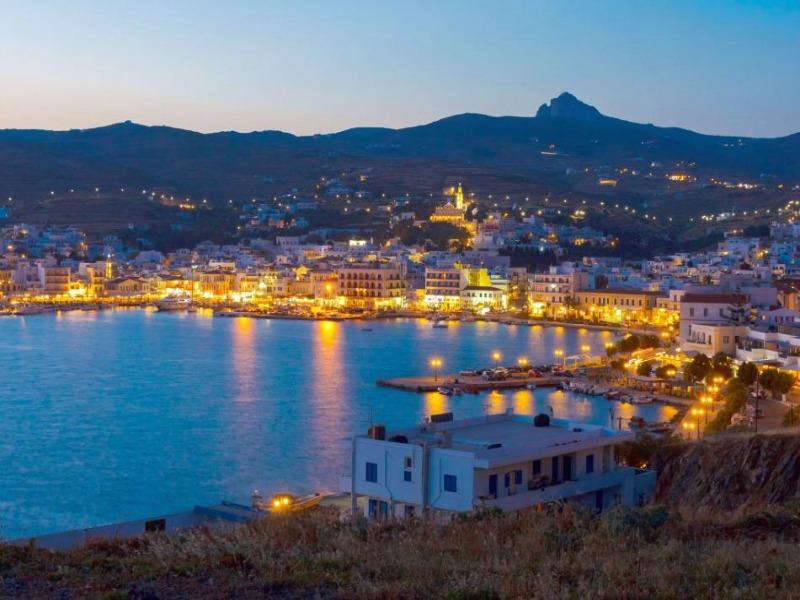 Τα 5 ιδανικότερα νησιά των Κυκλάδων για οικογενειακές διακοπές