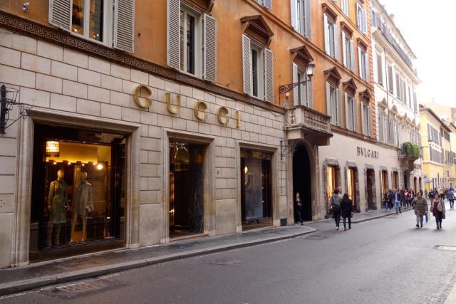 Shopping στην Via Condotti και τη Via del Corso