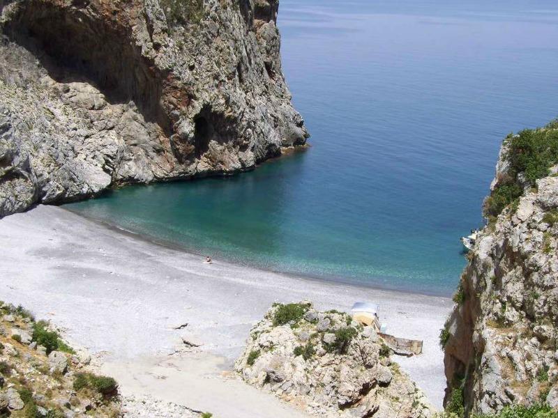 παραλία Βύθουρη Εύβοια