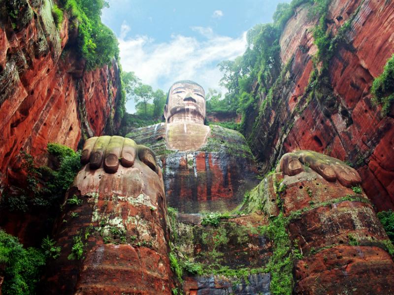 Το μεγαλύτερο άγαλμα του Βούδα! Είναι στη Κίνα και προκαλεί σοκ με το μέγεθός του!