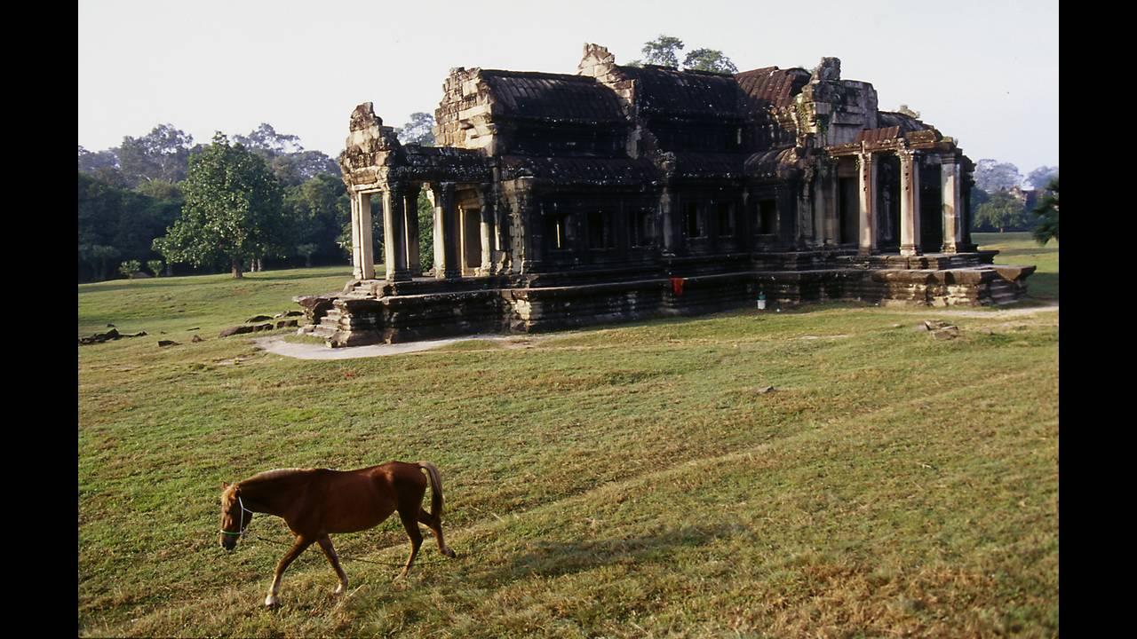 Το Ανγκόρ Βατ στη Καμπότζη είναι το μέρος που «κρύβονται» πολλά μυστικά...(photo)