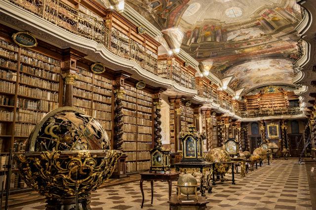 Βιβλιοθήκη Klementinum, Πράγα