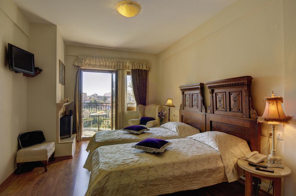Συμβαίνει τώρα! Προσφορά για τριήμερο Αγίου Πνεύματος στο Πήλιο, σε τρομερό τετράστερο ξενοδοχείο, από 35€ το άτομο!