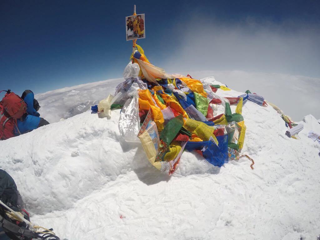 Στην κορυφή του Έβερεστ Έλληνες ορειβάτες! (Photos, Video)