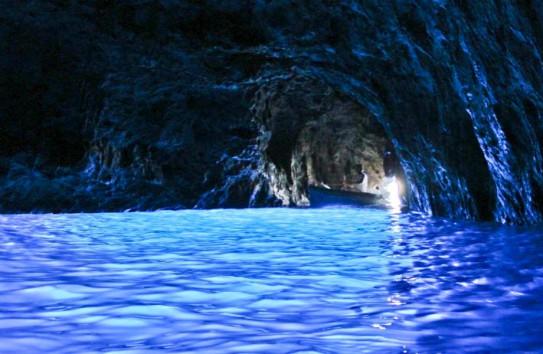 γαλάζια σπηλιά