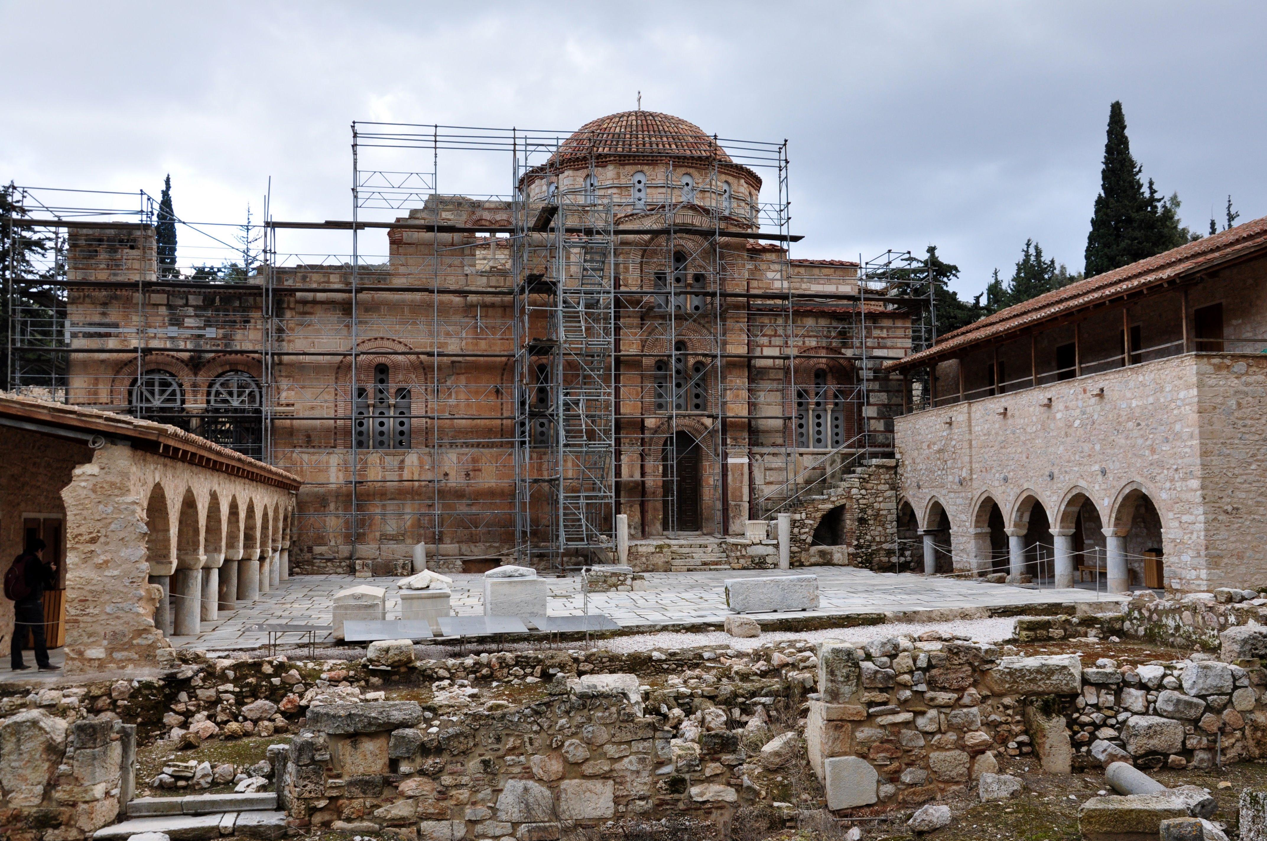 Μονή Δαφνίου: Το απόλυτο βυζαντινό αριστούργημα στην Αττική, ένα εκ των σπουδαιότερων μνημείων της Μεσογείου! (Photos)