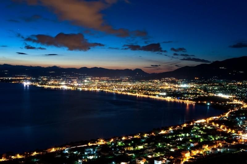 O stand up κωμικός Λάμπρος Φισφής μάς χαρίζει στιγμές απείρου γέλιου αναλύοντας τις πόλεις της Ελλάδας!