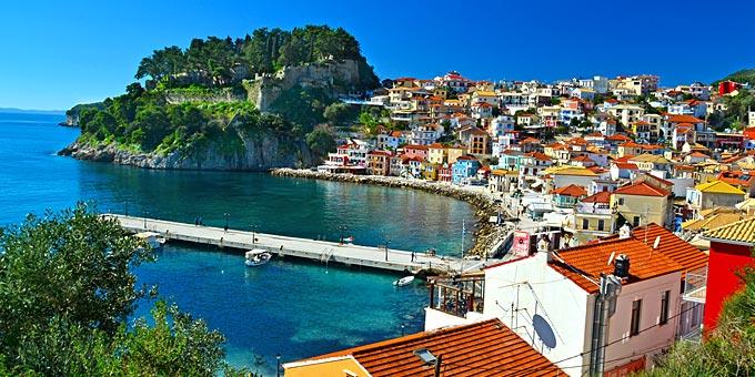 Οι πιο πολύχρωμες πόλεις της Ευρώπης - ανάμεσά τους και 2 ελληνικές!