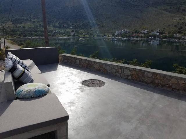 Το μαγευτικό ξενοδοχείο που άνοιξε Έλληνας ηθοποιός μπροστά στη καταγάλανη ακτή της Εύβοιας!!!(photo)