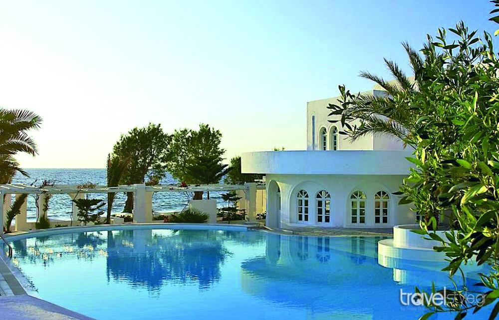 Thalassa Seaside Resort, Καμάρι